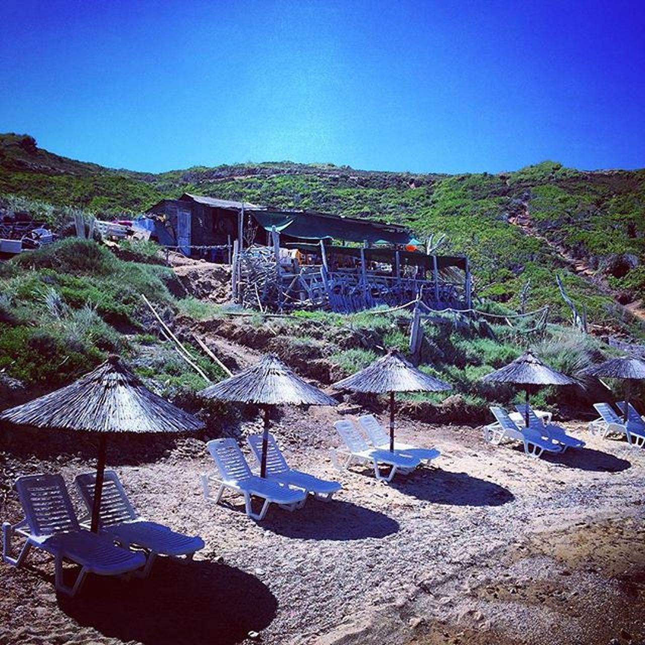 Relax Scooter Mare Spiaggia Marechiaro Vacanze Grecia Girovagando Sabbia Skiathos Scoglio Asciugamano Racchette