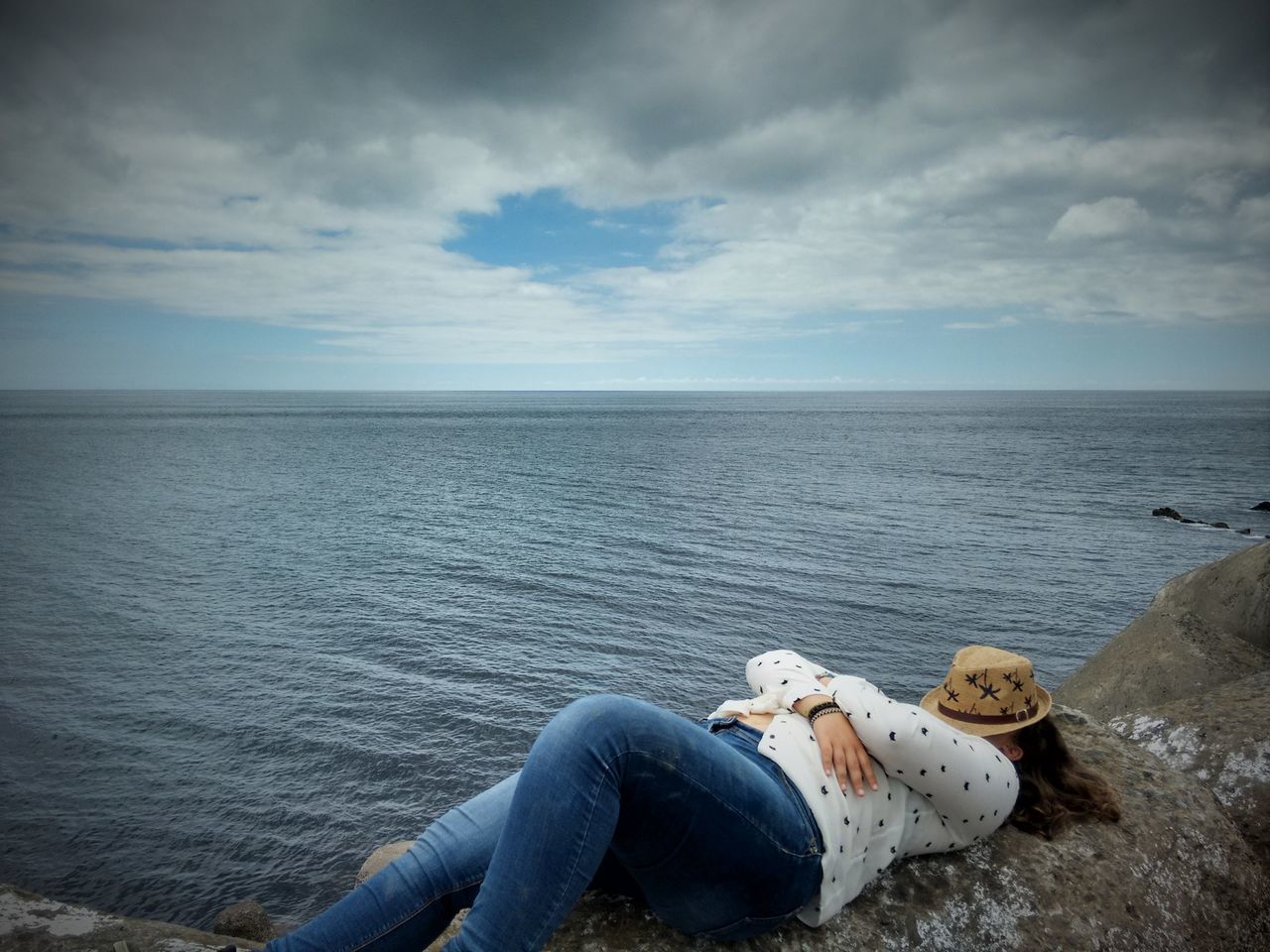 Beauty In Nature Chillin Chillin' 43 Golden Moments Coastline Girl Horizon Over Water Nature Non-urban Scene Ocean Outdoors Remote Resting Resting By The Sea Scenics Sea Shore Sky Sleeping By The Sea Tranquil Scene Tranquility Water Woman Lieblingsteil