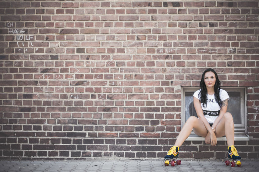 lsamria Rollerskate by www.eightTWOeightSIX.de The Color Of Sport Brick Wall Tatted Tattoo Relaxation Young Adult Day Outdoors Style Fashion Sportygirl Sporty Beauty Brunette Rollerskate Rollerskates Shooting Model Female Model Female Femme Girl Woman Woman Portrait Leisure Activity Women Around The World The Portraitist - 2017 EyeEm Awards Done That. Rethink Things Fashion Stories