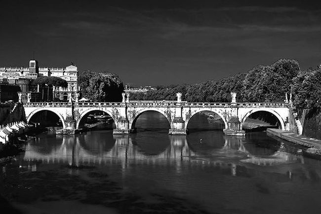 Bridgeofangels Pontesanangelo Roma Bridge Arches Architecture Mono History Lifeasiseeit Johnnelson