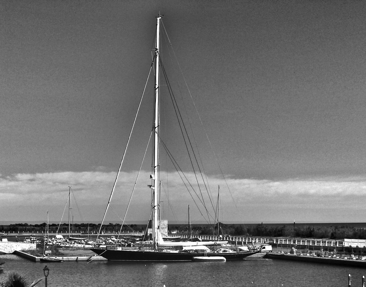 Welcome A Board Marinagri Italy Black & White
