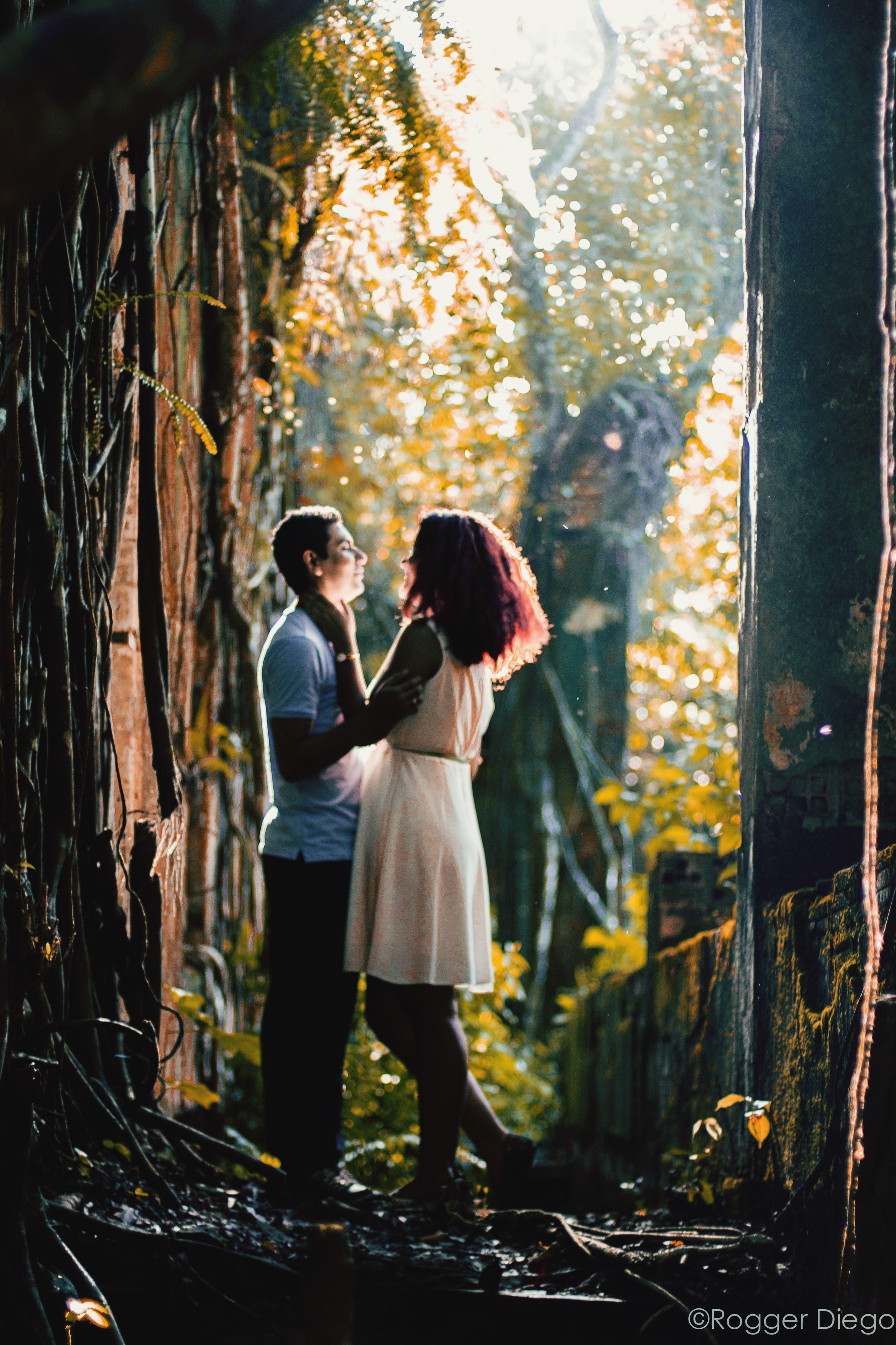 Ensaio Casal Hanging Out Taking Photos Couple Hello World Ruinas De Paricatuba Forest Ruinas Brazil ensaio nas ruínas da Vila De Paricatuba, Iranduba, Amazonas, Brasil