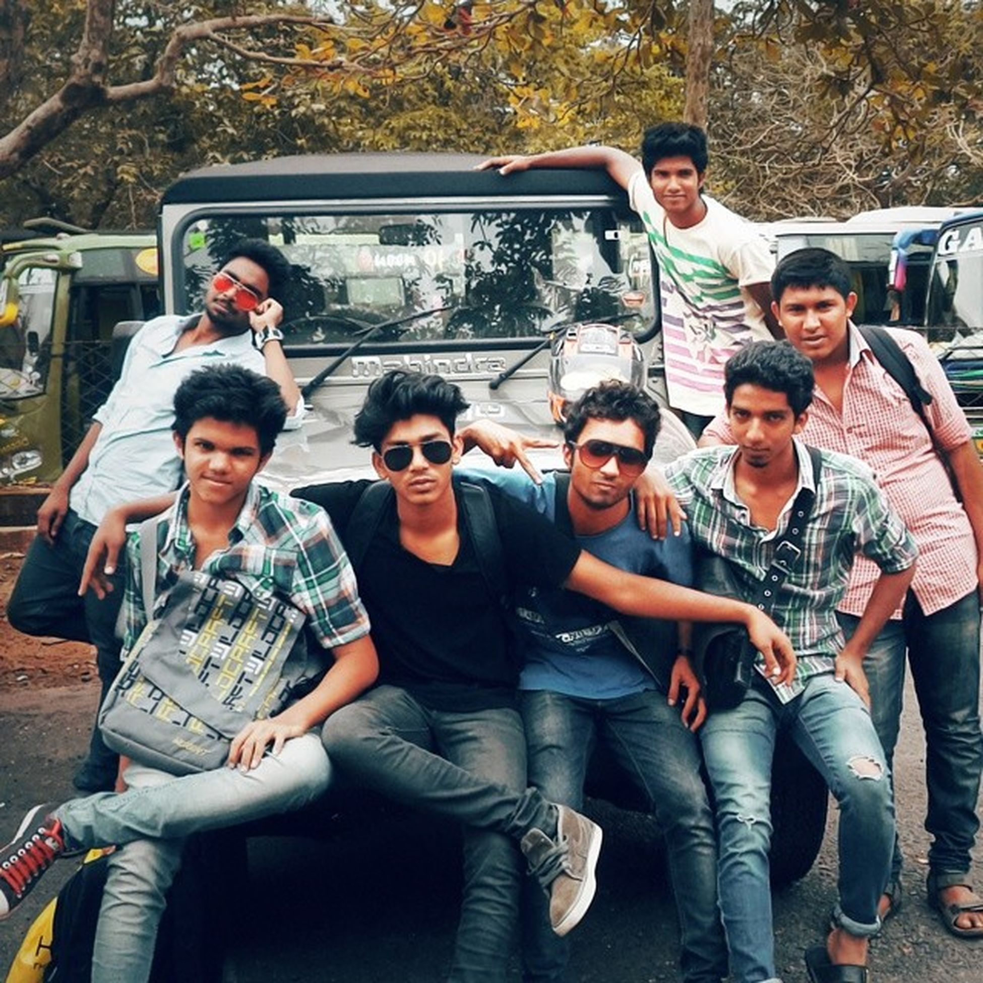 Friends are best part of my life ...😀😁😂😊😇 @wonderland Tripping Photoshoot Riding LoveRodTrips MyThar