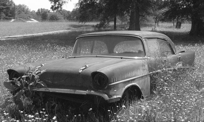 Taking Photos Rusty Rusty Things Black And White Check This Out Cool Stuff Rusty Autos