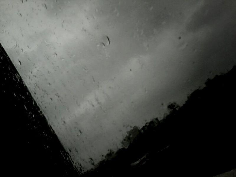 Beauty it's raining;