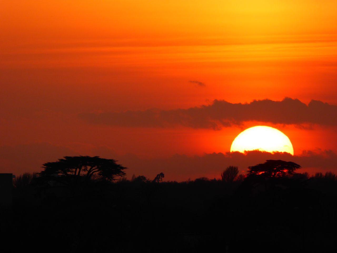Sunset Sunset_collection Landscape Red Red Sunset Silhouette Silhouettes Sunset Silhouettes Setting Sun Fiery Sunset... Fiery Sunset Fiery Sky Landscape_Collection Landscape_photography Amazing Sunset Settingsun Beautiful Sunset Brentford London LONDON❤ Hidden Gems