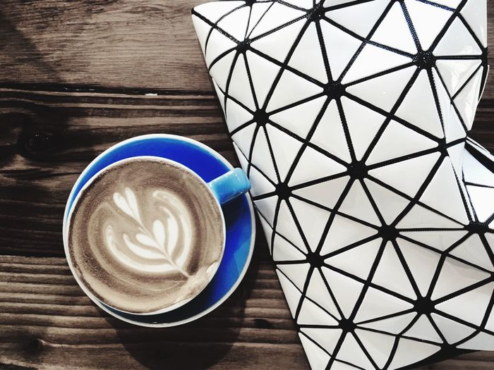 Coffee Cup Pattern Coffee - Drink Rosetta Latte Latteart Freepour Barista Espresso Coffee Coffee Time Coffee Break Coffee Shop Close-up Refreshment Beverage Geometry Bag Handbag  First Eyeem Photo