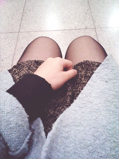 自己又再次坐到西鐵站,不捨得走,我寂寞了啊,然後就突然不開心,明明今天一直笑,但卻好想哭。 Sad Photography That's Me
