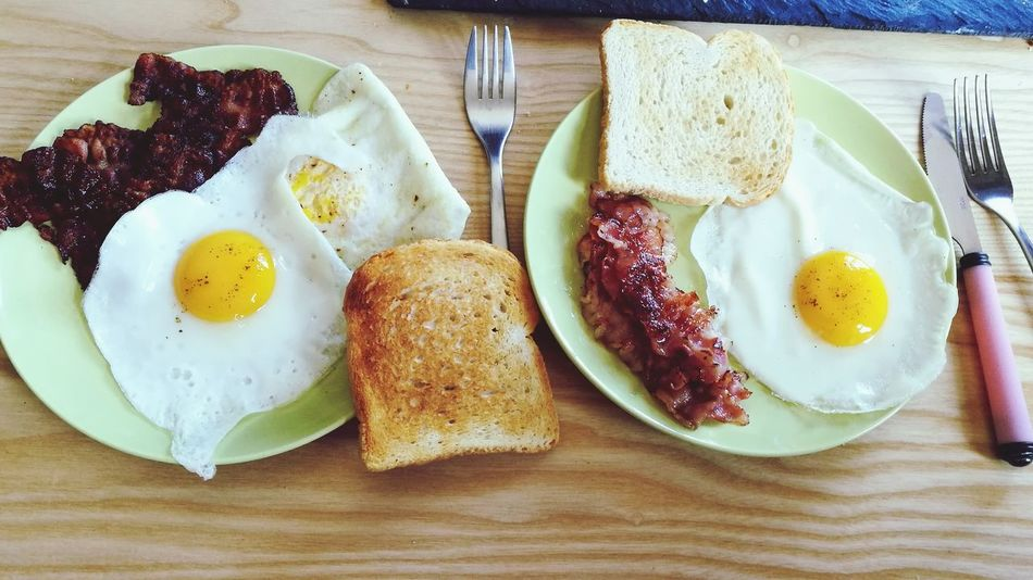 Breakfast Egg Table Bread Toasted Bread Healthy Eating Egg Yolk Ready-to-eat Food Fried Egg Indoors  Plate Freshness Serving Size Food And Drink Brown Bread No People Day