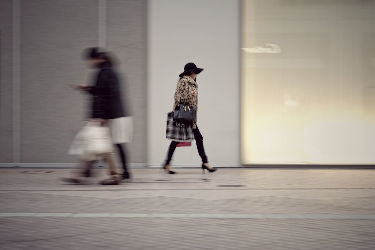Capture The Moment Walking People Blurred Motion Panning Low Section Street Photography Real People Women Who Inspire You Women Around The World Uzu St. Urban Exploration Fine Art Fashion Still Life Light And Shadow Silhouette Tranquil Scene Depth Of Field Landscapes Full Frame Detail Helios EyeEm Best Shots 17_01 Art Is Everywhere The Street Photographer - 2017 EyeEm Awards