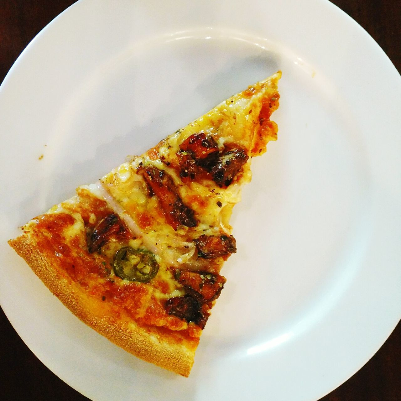 Slice of Spicy Chicken Pizza. Plate Food Ready-to-eat Freshness Foodie Slice Of Pizza Pizza Pizzalover Pizza Time Pizza Lover Pizza Slice SLICE Food Photography Spicy Chicken Pizza Cremeux Goa Travel Overhead View Simplistic Minimalism Simple Photography Isolated Goa Tourism Brunch Pizza Porn