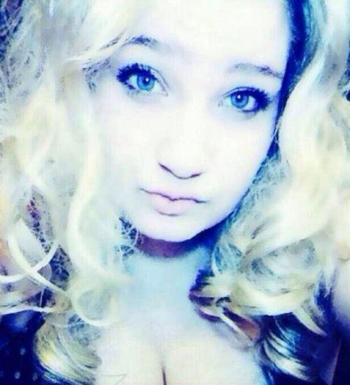 Kik: acab._. Blonde Beautyful  Hanging Out Girl