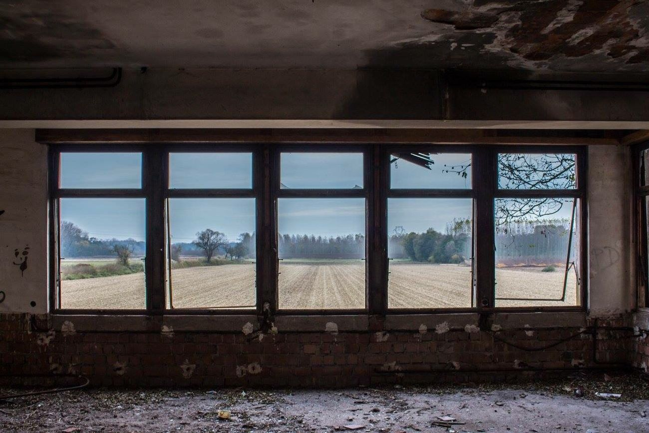 Window Rural Scene Canonphotography Tadaa Community Windows Urbexphotography Urbex Lostplaces Lost Places Abandoned Abandoned Hotel View EyeEm Abandoned Beauty Of Decay Decay