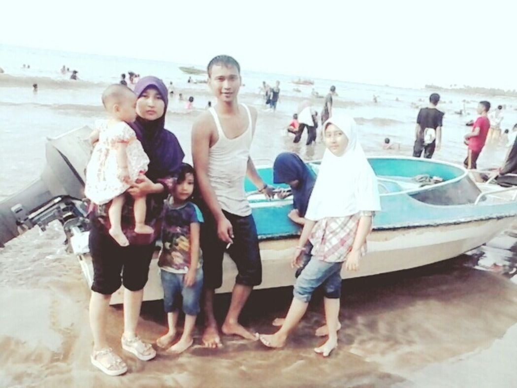 My sister, brother, daughter and niece's ... holiday at the anyer beach - serang city, banten Taking Photos Enjoying Life At The Beach Culture Kids Familytime👪👧👨👩 Holiday Memories