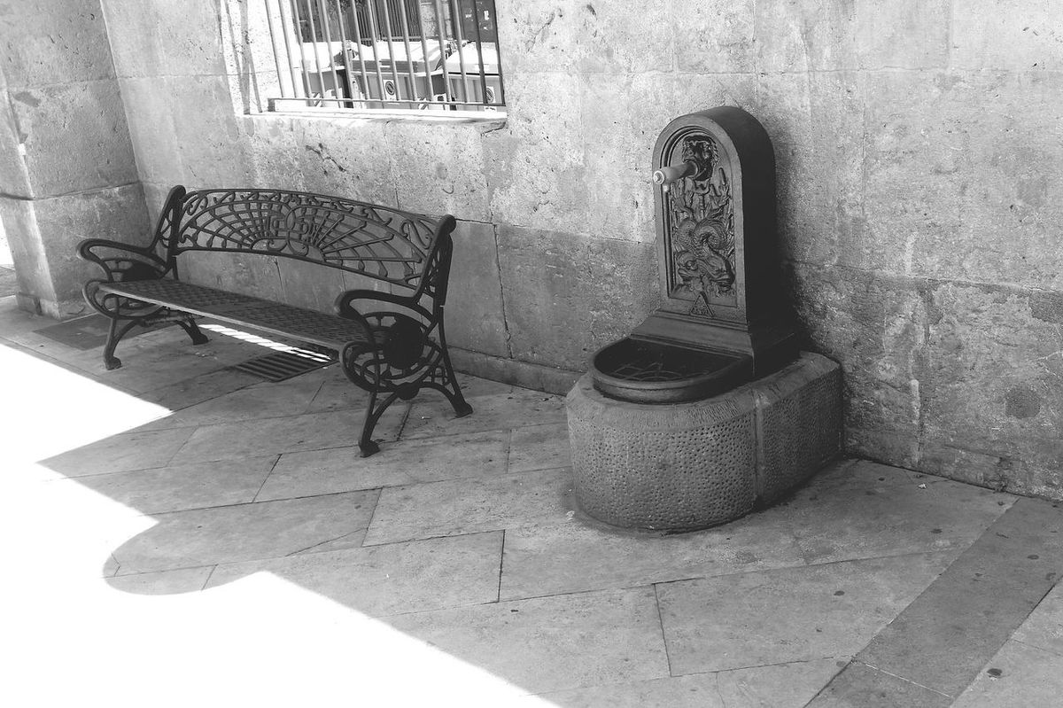 Architecture Shadow No People Check This Out Spanien España I LOVE PHOTOGRAPHY SPAIN ESP Black & White Architecture_collection Architecture Outdoors Oldtown Streetphotography City