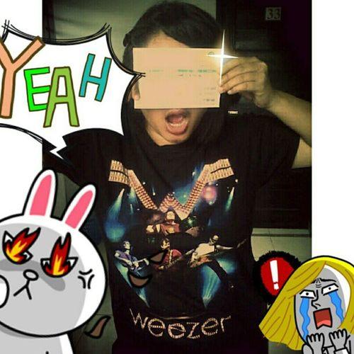 . @Eehires is super ready for WeezerJKT ! Yeah!
