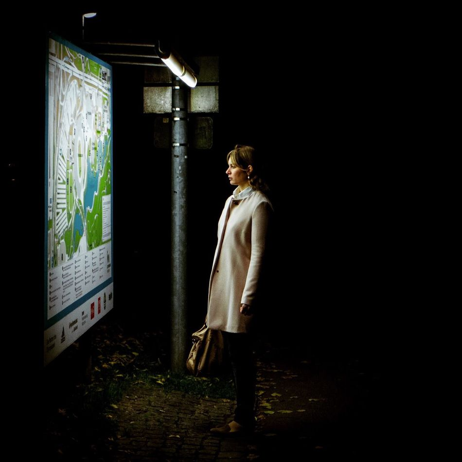 Streetphotography Munich Girl Dark Night Sebastianmarekphotos EyeEm Best Shots Bestoftheday Light The Photojournalist - 2015 EyeEm Awards