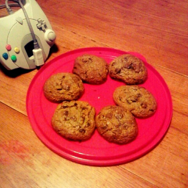 I made #oatmeal #rasin #cookies. A little #treat. 80 calories each! My daughter threw the dreamcast controller on the table, and that makes the cookies even more appealing. #lowcal #lowcalorie #cookie #oatmealrasin #yummy #dessert. #dreamcast #segadreamc Yummy Dessert Cookies Cookie Oatmeal Treat Dreamcast Lowcalorie Segadreamcast Lowcal Rasin Nylonsnack Oatmealrasin