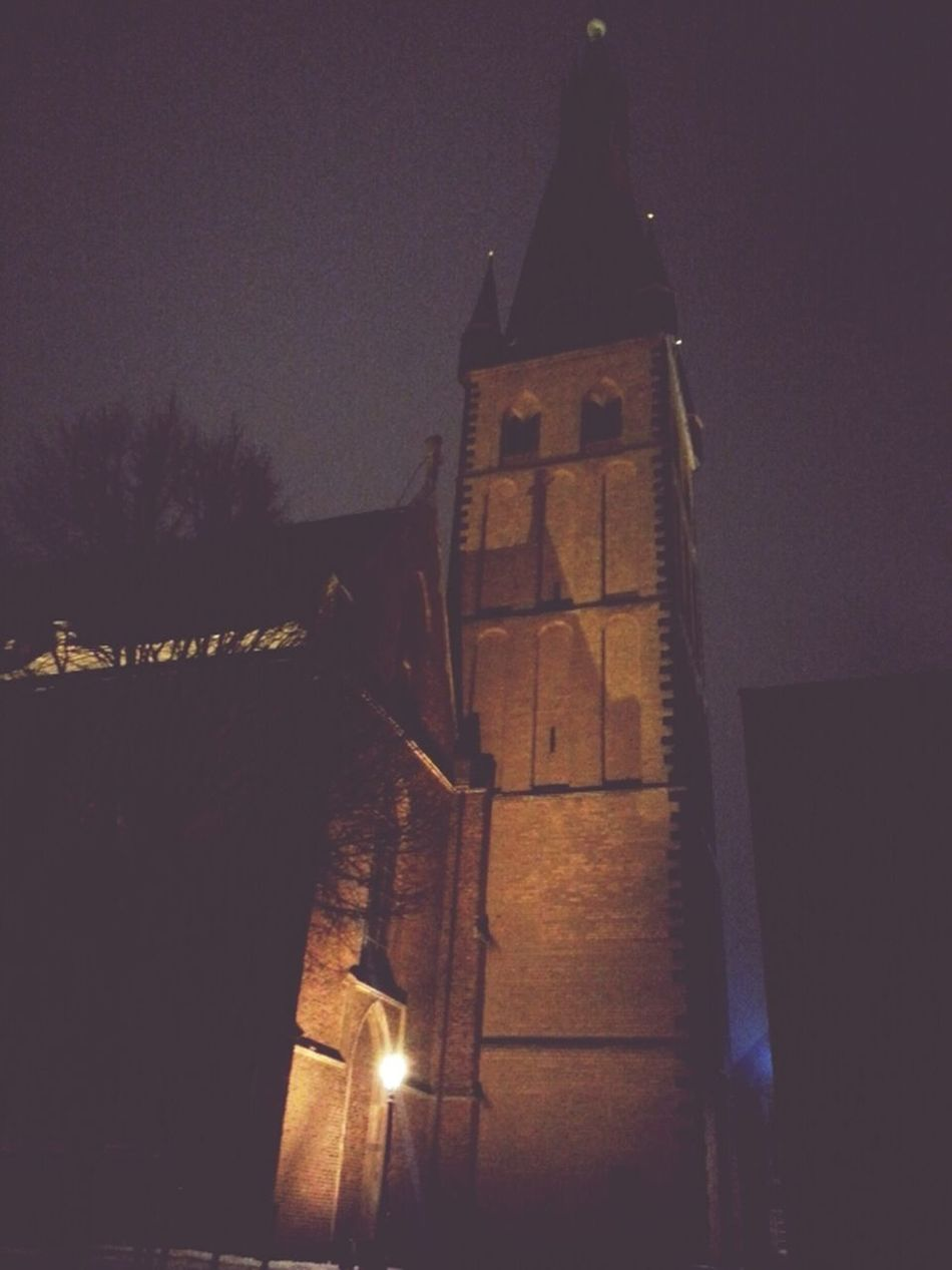 Düsseldorf by night.