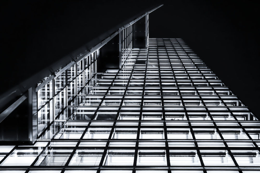 Architectural Feature Architecture Architecture_bw Architecture_collection Building Exterior Built Structure Diminishing Perspective Geometric Shape Low Angle View Modern Nacht Nachtaufnahme Night Night Lights Nightphotography No People Office Building Skyscraper Tall Tall - High