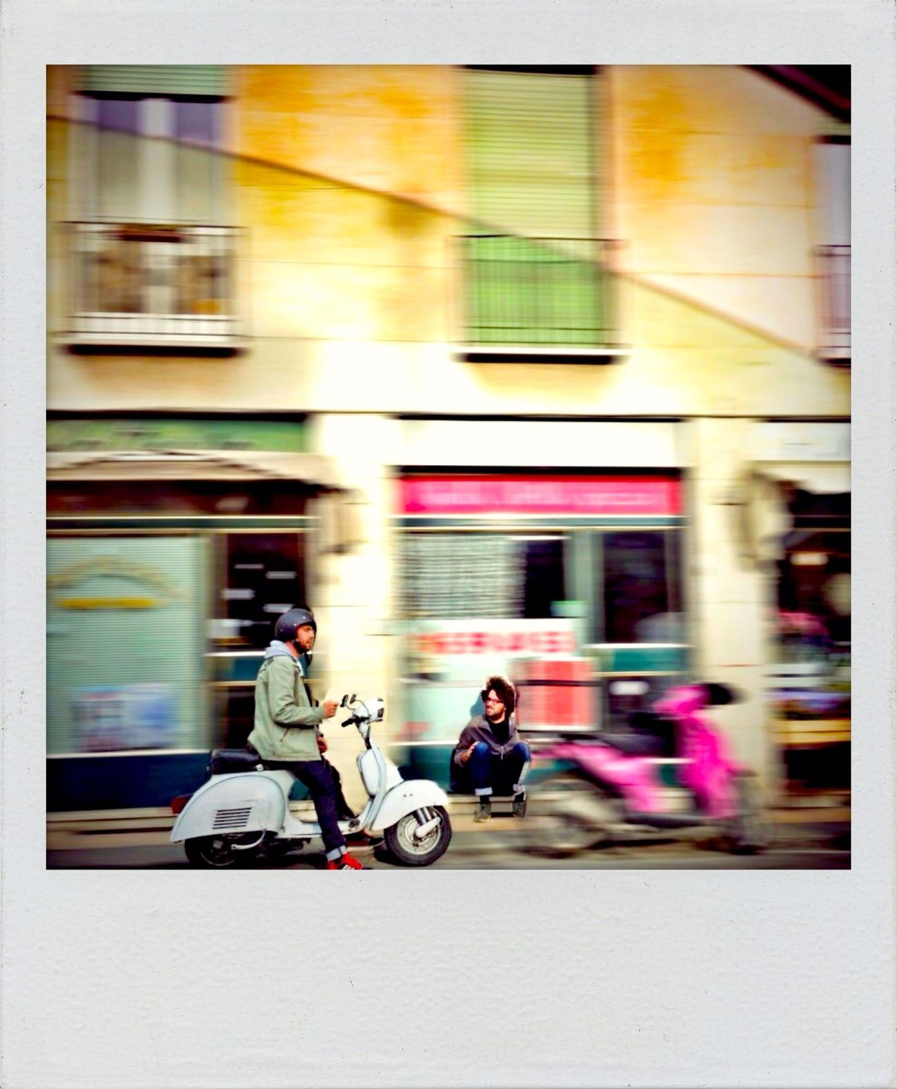 Streetphotography VESPA Bella Street Life Saturday