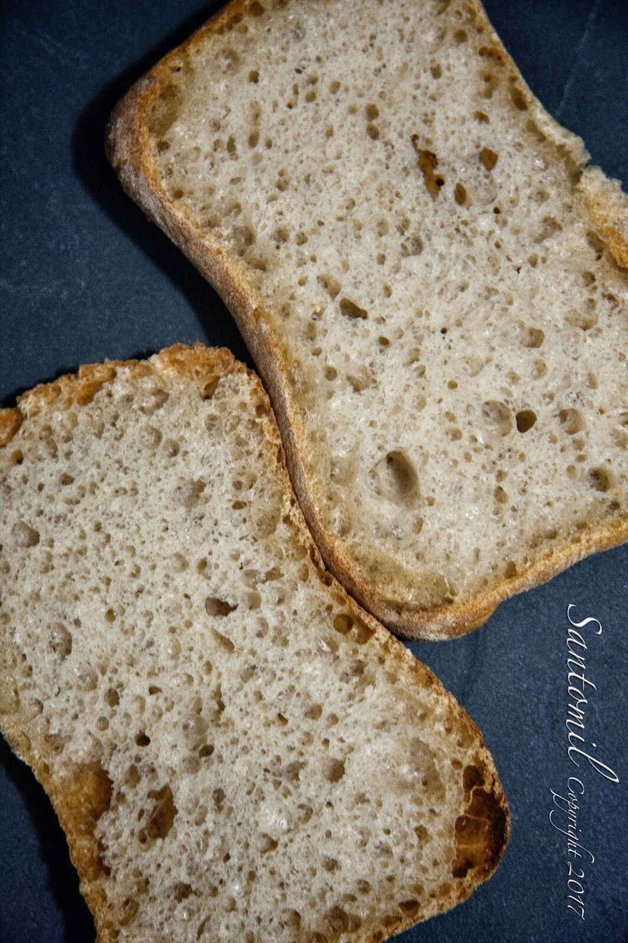 Producto EyeEmNewHere Bread Food Food And Drink Healthy Eating No People Indoors  Toasted Bread Breakfast SLICE Ready-to-eat Sliced Bread Freshness Flatbread  Pita Bread Close-up Panaderia Pan Comidas
