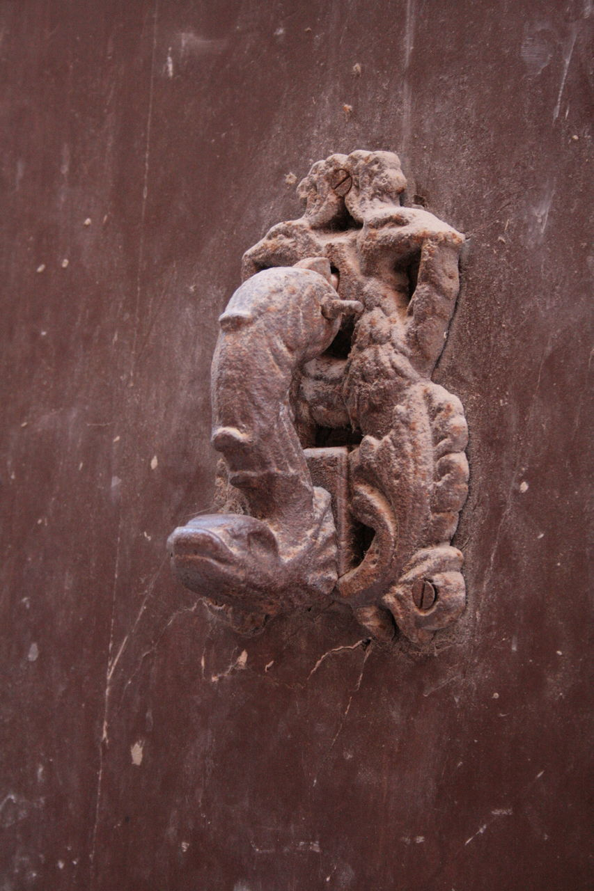 art and craft, no people, sculpture, close-up, day, outdoors, architecture, ancient civilization