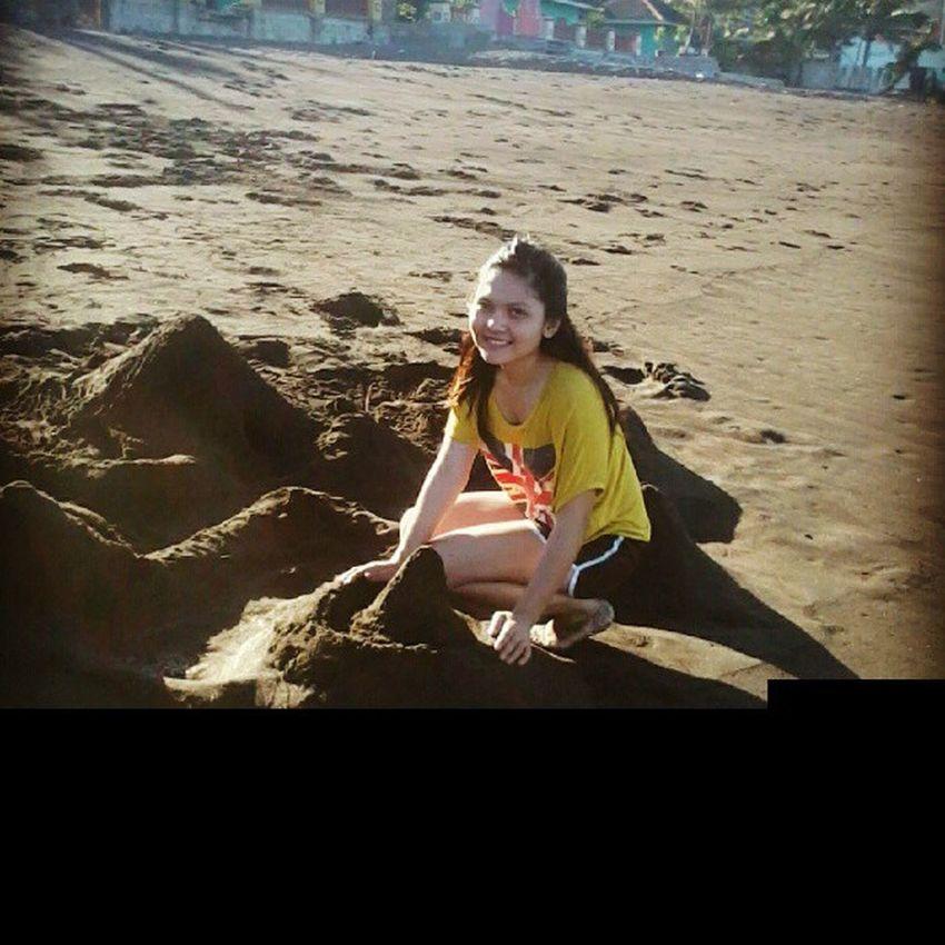 Batangas Lian Getaway  Team outdoor blacksand friends laughs fun