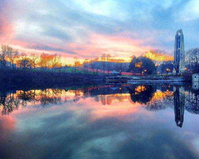 Evening reflections. IPS2016Blue IPhoneography Iphonephotography Iphoneonly ShotOniPhone6 Sunset Lake Sunset_collection Reflection Reflection_collection Reflections Carillon