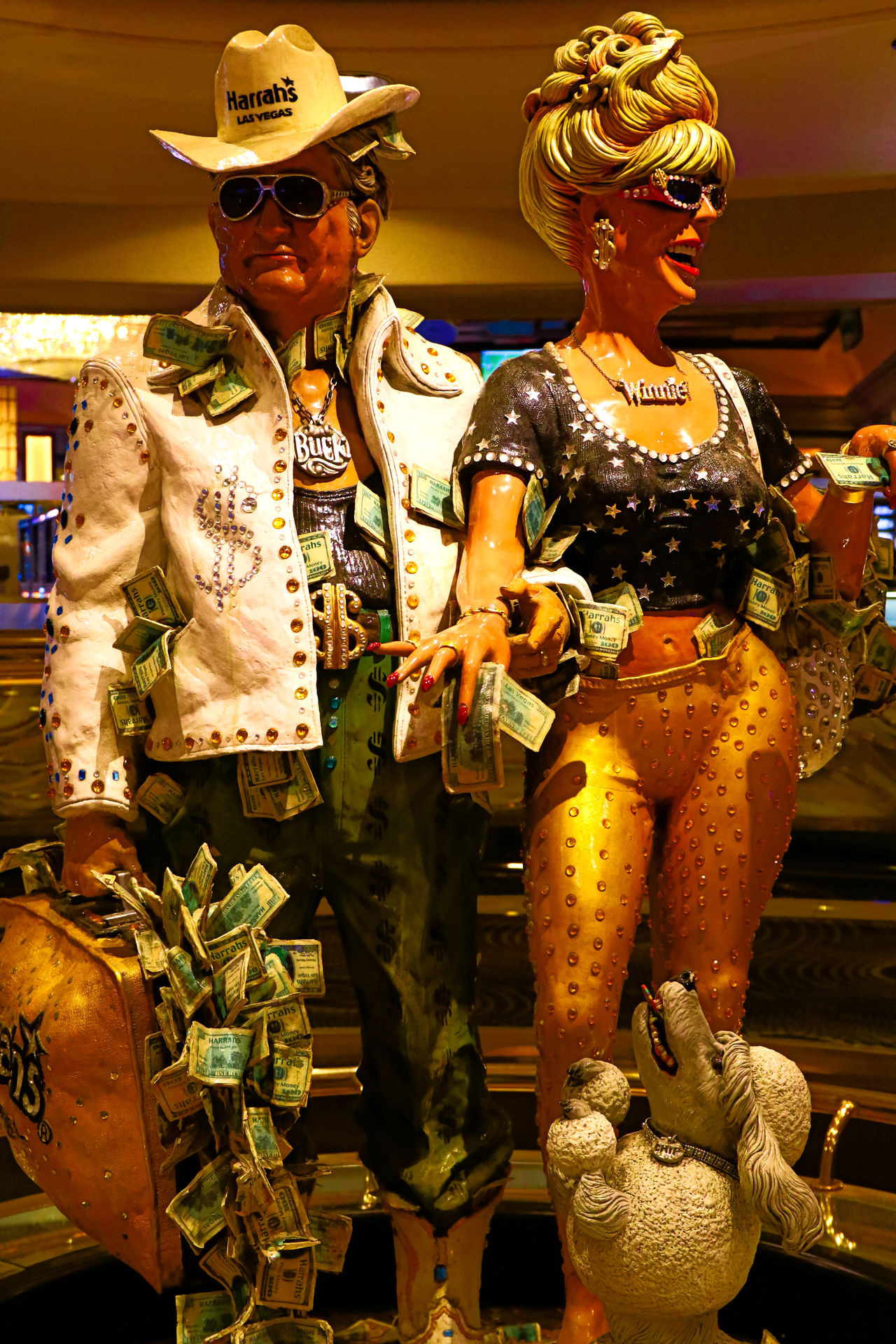 Las Vegas, NV, USA . Oct 10, 2016: couple statue of Harrah's Las Vegas hotel and casino. Harrah's is a hotel and casino owned and operated by Caesars Entertainment Corporation 43 Golden Moments America Caesarspalace Casino Editorial  Entertainment Eyeem Collection Gamble Gambling Getty Getty Images Getty X EyeEm Harrahs  Las Vegas Library Money Money Money Money Nevada Stockphoto The OO Mission Travel Travel Destinations United States USA World