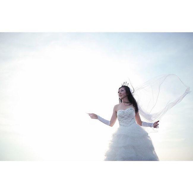 The essence Of white. Icliqphoto Icliq Nowatermark Welky Prewedding Squaready