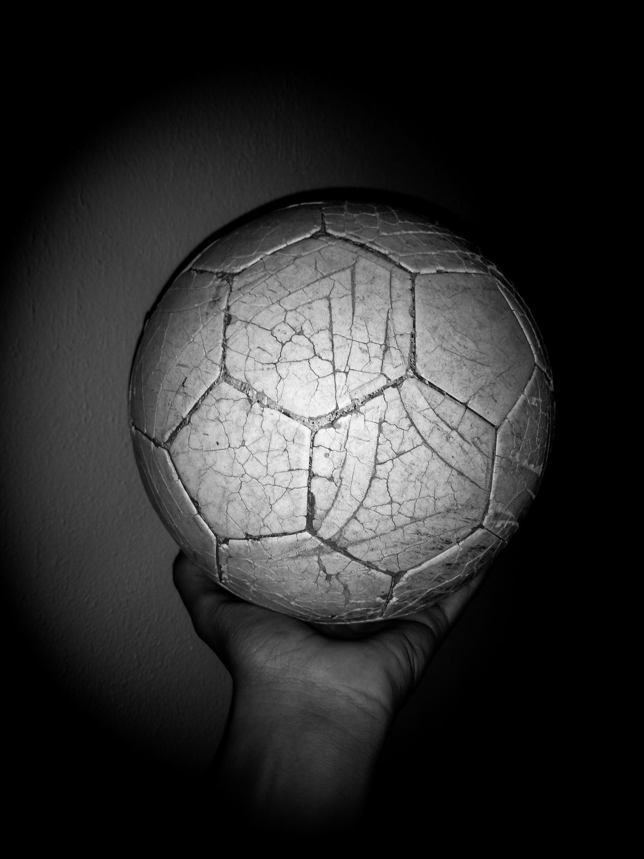 Human Body Part Futbol Pasion Sports Photography Futuristic Architecture Futbol Futbol Time Fotball Fotography Fotball Fever Human Hand One Person Sphere Cracked Holding Shadow Human Arm Textured  Adults Only People Illusion One Man Only Close-up Indoors  Only Men Day