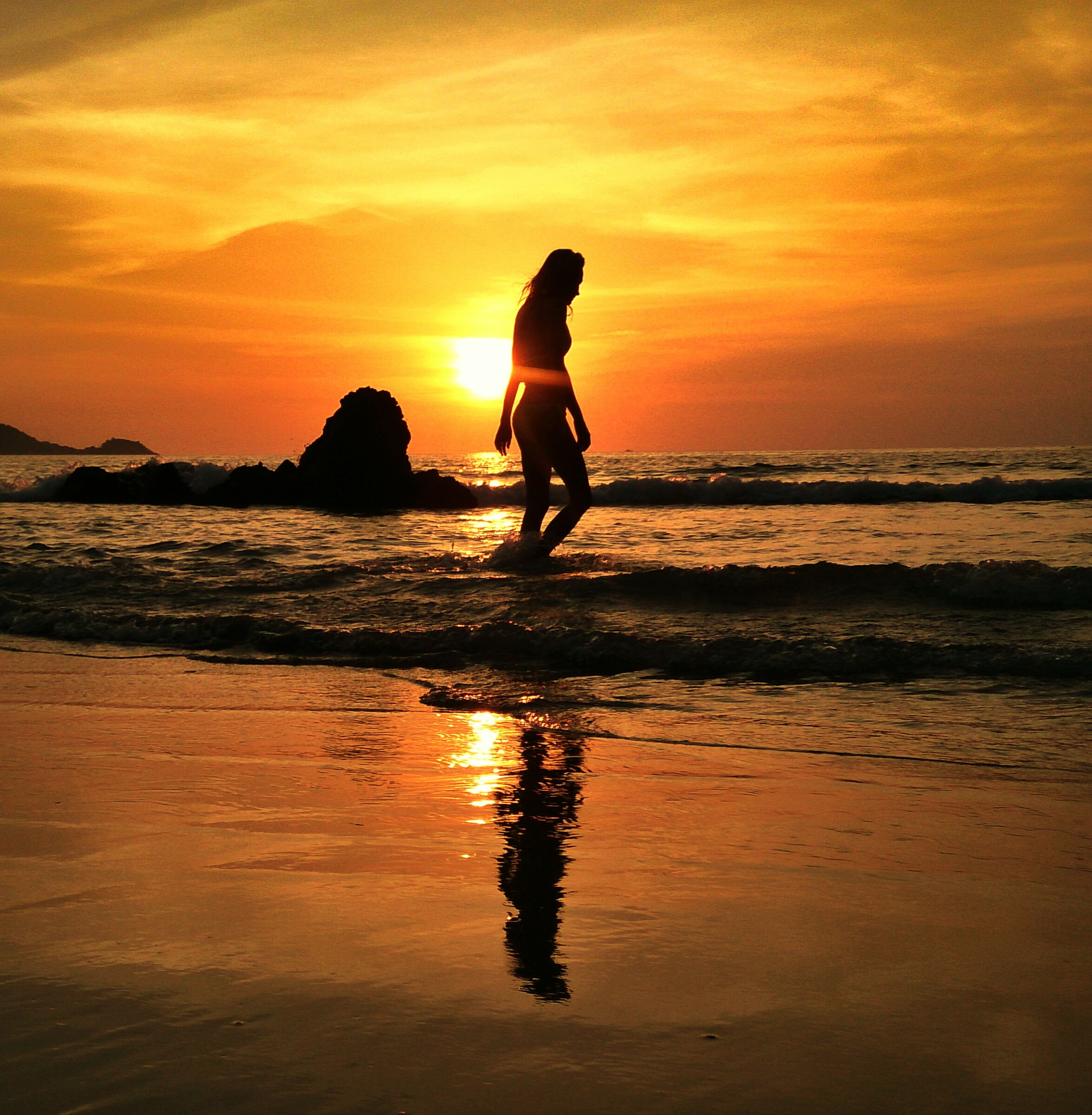 sunset, sea, water, beach, orange color, shore, silhouette, horizon over water, sky, scenics, beauty in nature, reflection, leisure activity, tranquil scene, lifestyles, idyllic, tranquility, wave
