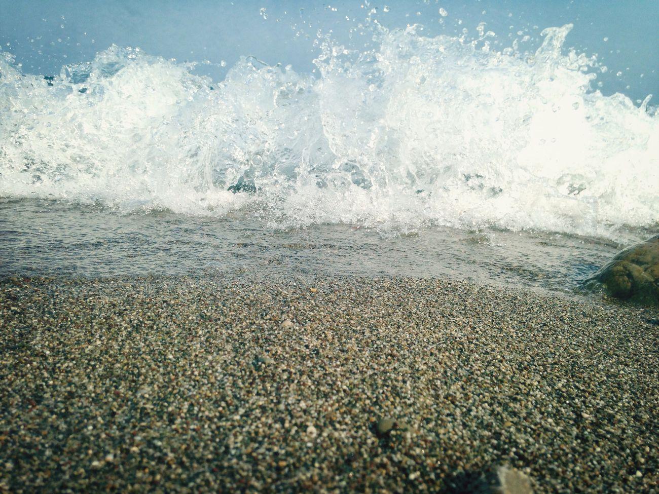 Море сегодня волнуется..