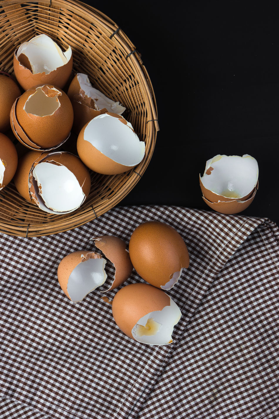 Eggshells in bamboo basket Abundance Arrangement Bamboo Basket Basket Circle Close-up Collection Cooking Cracked Egg Eggshell Eggshells Food And Drink Freshness Group Of Objects Healthy Eating Indoors  Kitchen Utensil Large Group Of Objects No People Order Repetition Shelf Variation