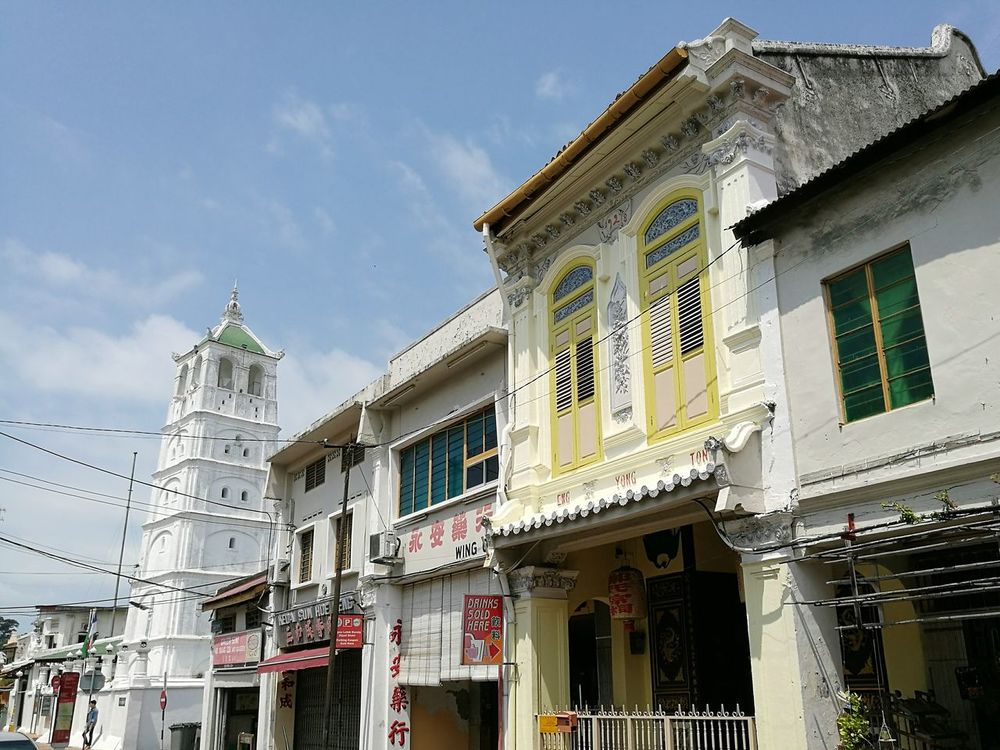 Melaka Malacca Malaysia Architecture Built Structure The OO Mission Chinatown P9 Huawei Outdoors Malaysia Scenery China Town Colonial Architecture Old Buildings Malaysia Photographym Malaysia Truly Asia Building Exterior Mosque Mosque Architecture Urban Exploration Urbanphotography Old Town