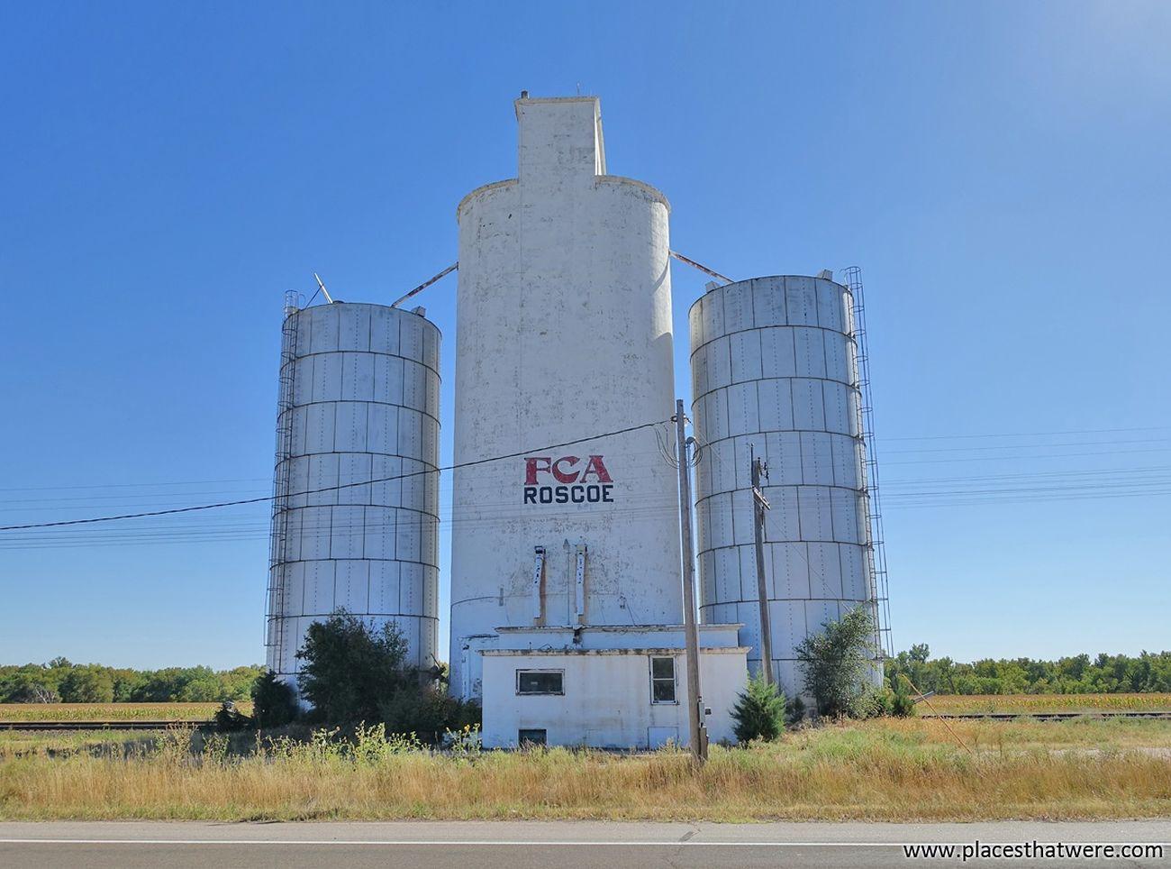Roscoe http://www.placesthatwere.com/2016/07/abandoned-relics-of-past-in-roscoe.html Roscoe Urban Exploration Urbex Nebraska