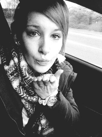 Hello Selfie Kiss GermanGirl INKEDGIRL Rockabella Septum Ontheroad Germany