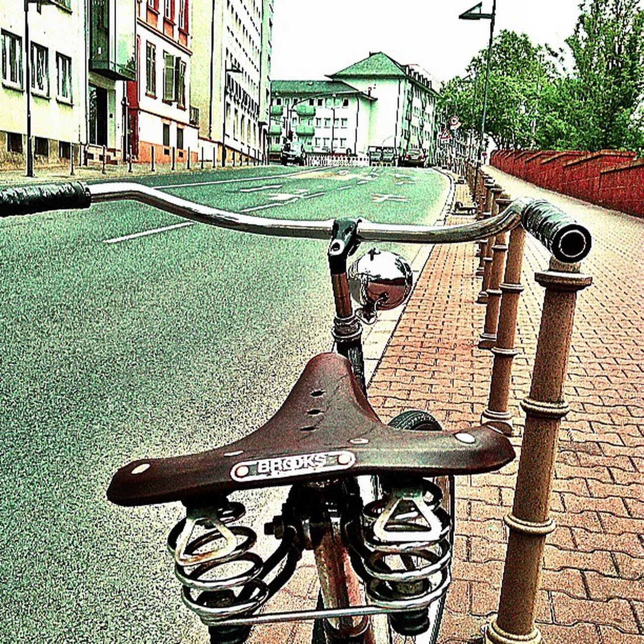 Bikegang Bicycle Bike Photography coolpic angle vintagebike oldbikes oldtown classicbikes beachcruiser streets statigram igdaily instaphotography instahub igser 10speed 100likes webstigram rides cobblestones