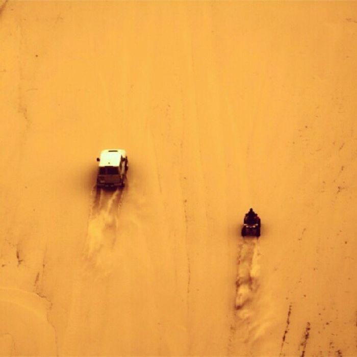 صورة الصحراء دباب جيب ربع سباق تحدي الرمال الكثبان الرملية Image of the desert pocket tanks fourth Challenge sand dunes