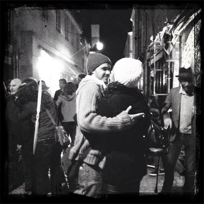 Lovely kiss in Orléans by L'houari Or