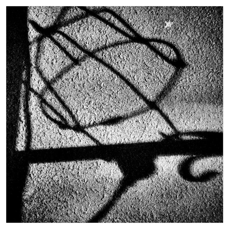 Backgrounds Silhouette Entre Ombre Et Lumiere Light In The Darkness Light In The City Carré Square Black And White Noir Et Blanc Ambiance Silouhette Black And White Textures And Surfaces
