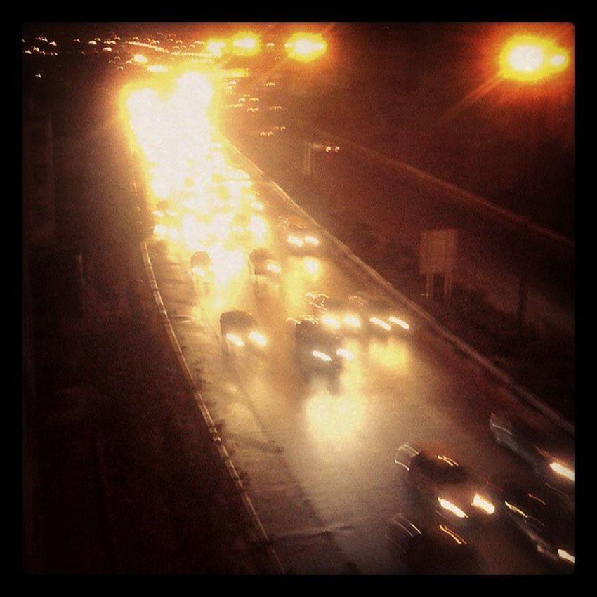 خیابان هر چقدر شلوغ تر؛ تنهایی آدم خلوت تر Tehran Iran Instapersia