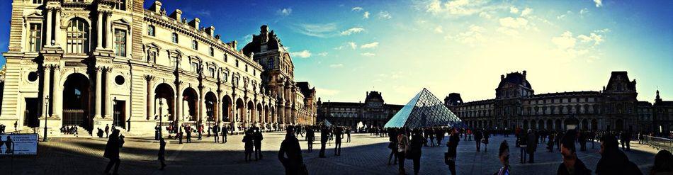 The Louvre Museum. Architecture beauty. Musée Du Louvre Paris MomoTravels