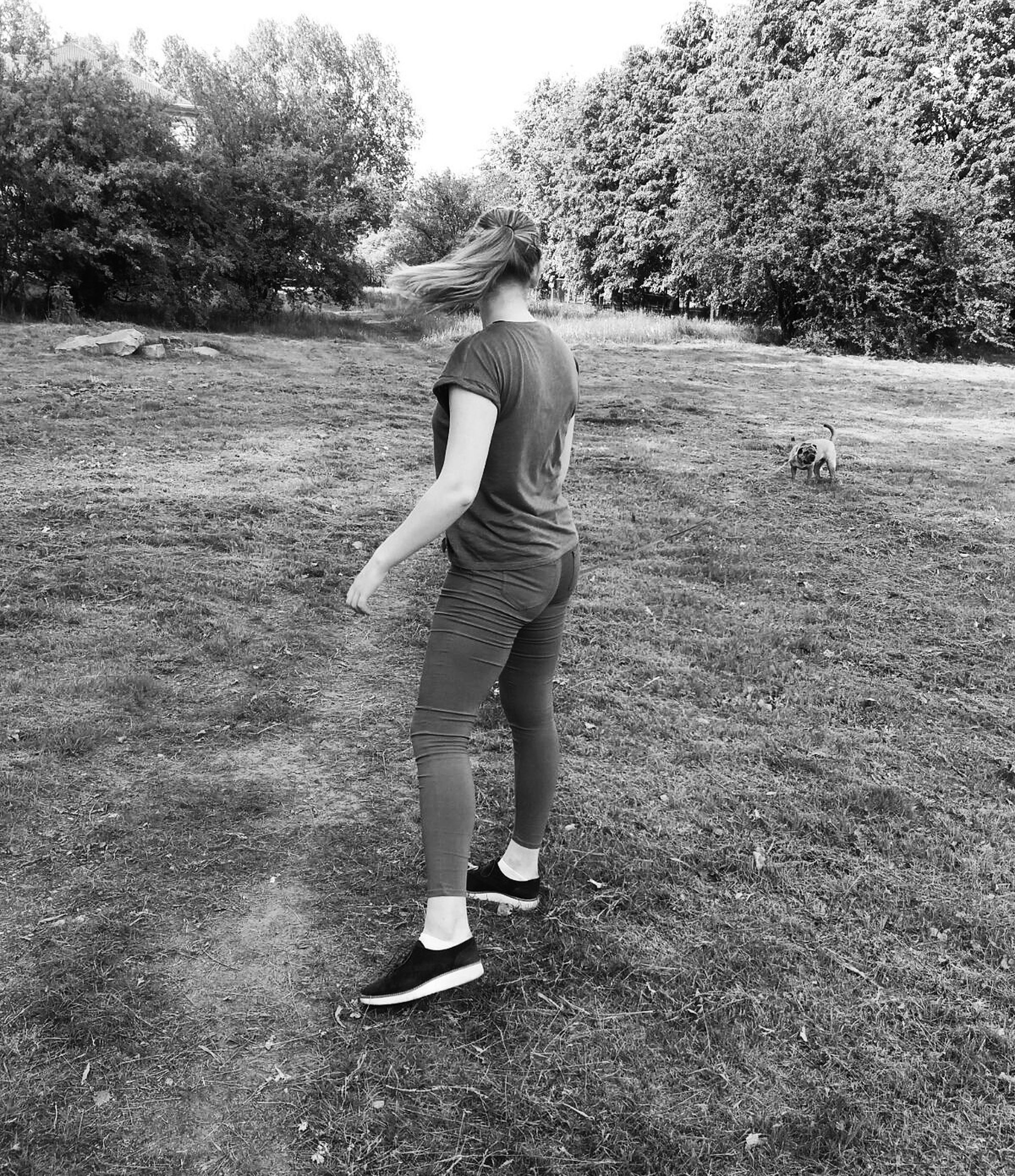 full length, childhood, tree, lifestyles, person, casual clothing, elementary age, leisure activity, grass, boys, girls, innocence, field, park - man made space, playing, playful, cute, day
