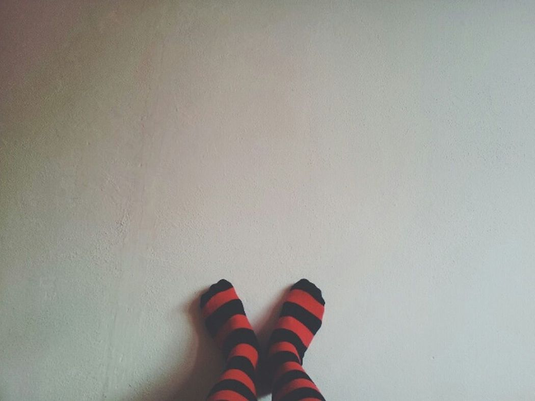 White wall & Funky socks White Wall Whitewall Funky Socks Funkysocks Coldfeet Red&black Red Black
