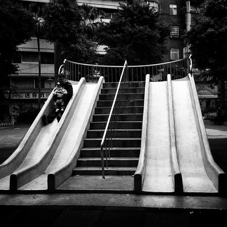 NEM Street NEM Black&white Better Together EyeEm Best Shots - Black + White Streetphotography_bw Blackandwhite Photography Black And White Playground Blackandwhite Streetphotography