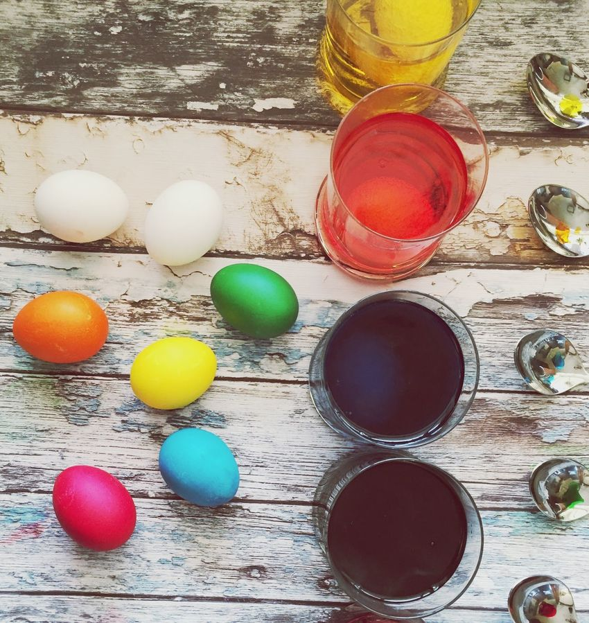 Table Egg Indoors  Food And Drink High Angle View Eggs Easter Eggs Easter Ready Eggs Art Eggs Colorfull Eggs For Breakfast Food Foodporn Painting Painting Eggs Easter Egg Easter Colors Of Life Colorful Easter Preparations Easter Traditions