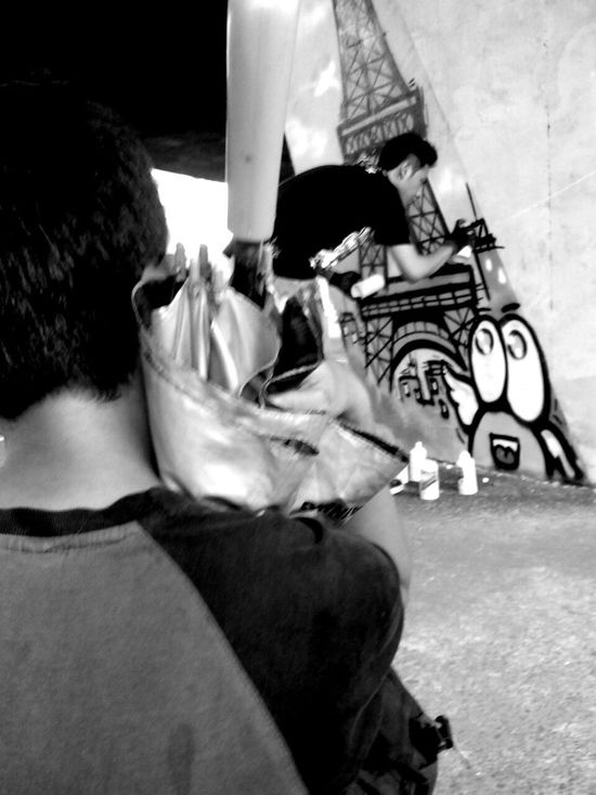me want to draw like him Black And White Street Photography Street Art Jakarta Muralnesia