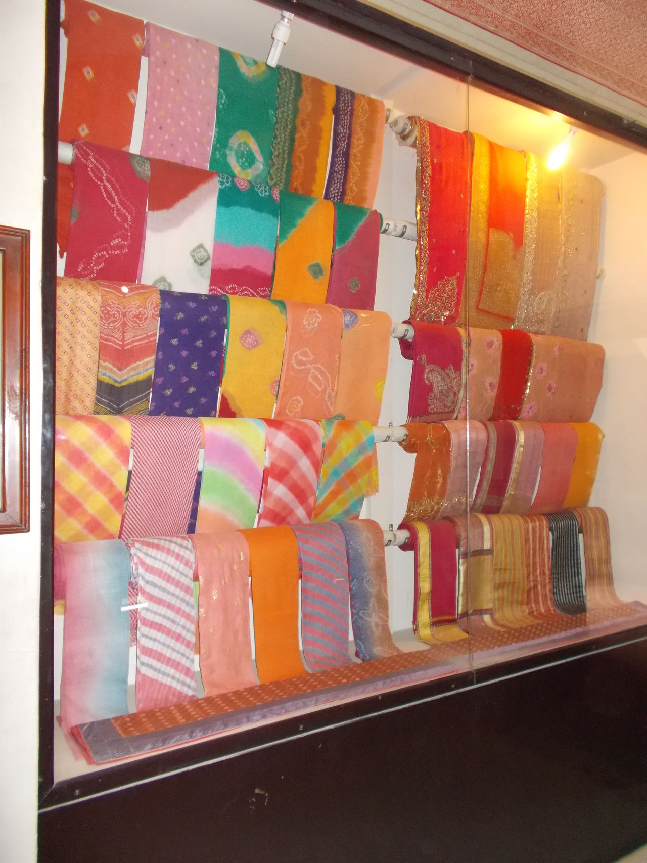 Traditional Clothing Traditional Culture Rajasthan Sarees Bandhani Sarees Bikaner Fort Craftsman Rajasthan_diaries Bikaner India History Through The Lens